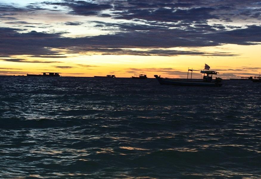 вечер на пляже вонгамат