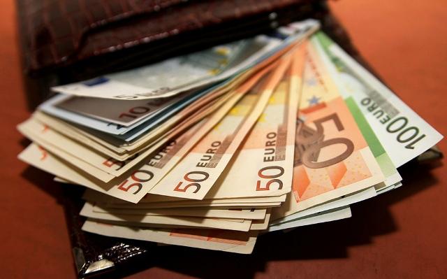 Какие деньги лучше брать в таиланд