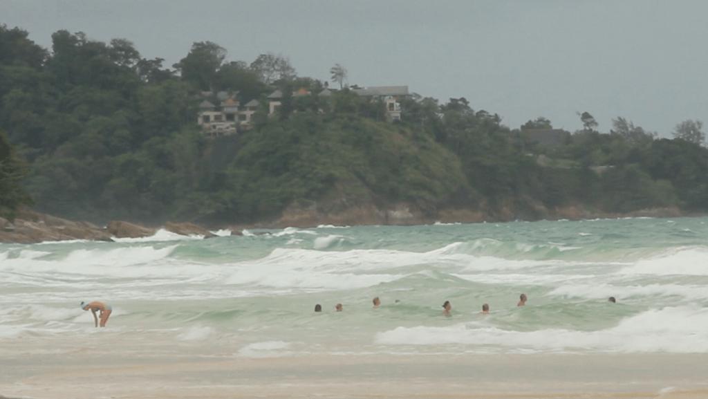 дождь на пляжах пхукета