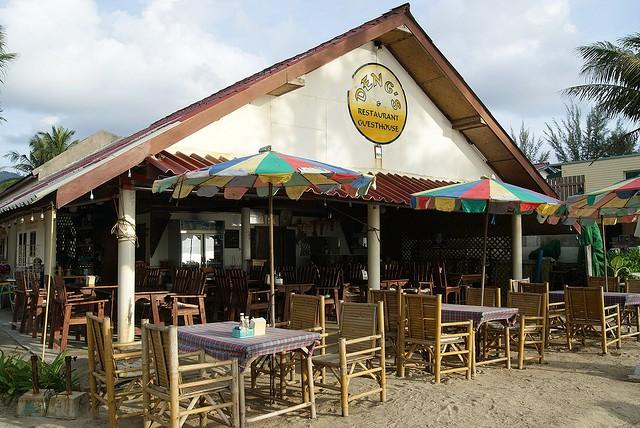 кафе пляжа камала