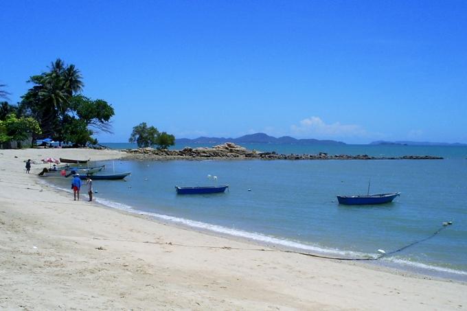 море пляж наклуа