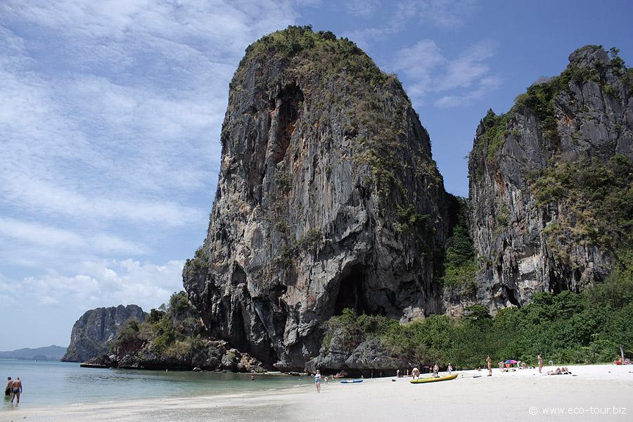 скалы пляж прананг