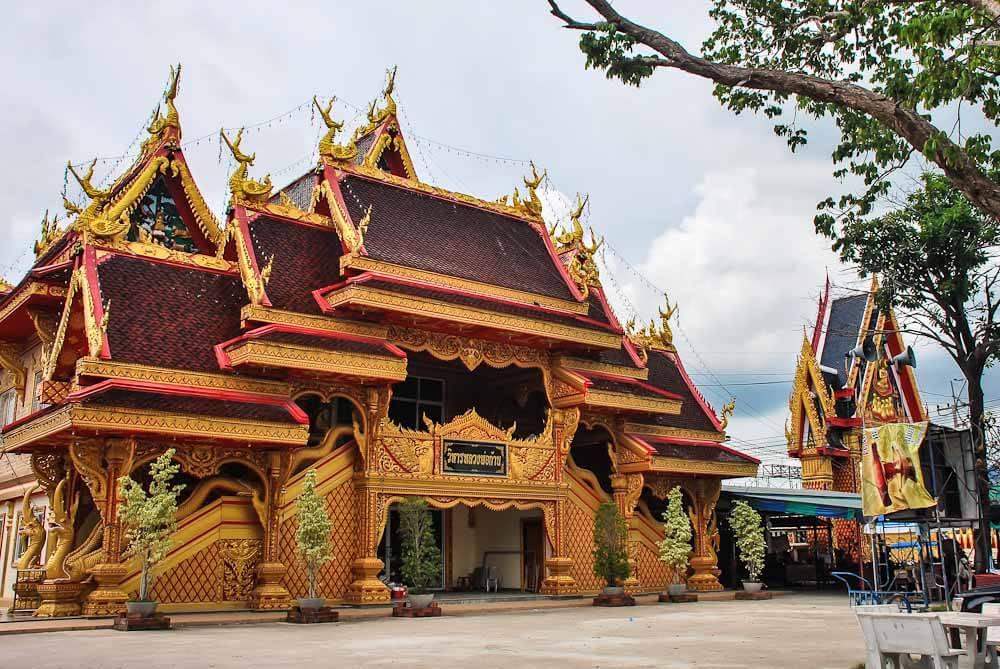 Храм Ват Хуай яй