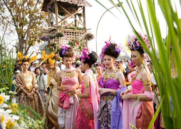 Festival-tsvetov-v-Tailande