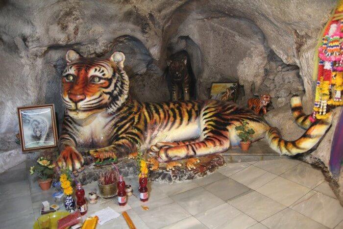 Krabi-Tiger-Cave