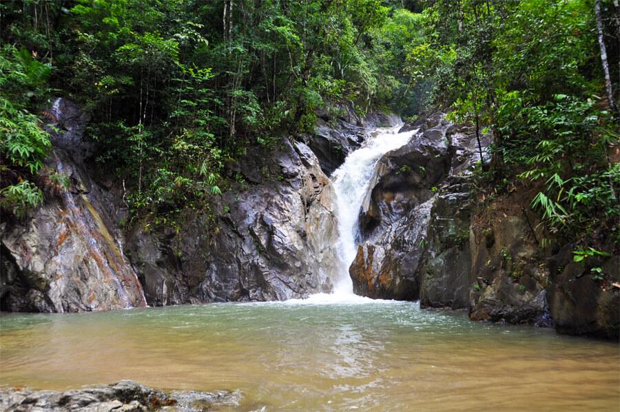 водопад, река